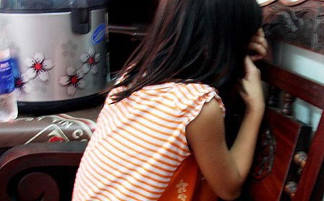 Người cha làm đơn tố cáo thầy giáo dạy võ hiếp dâm con gái 13 tuổi 1