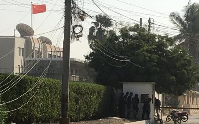 Lãnh sự quán Trung Quốc ở Pakistan bị tấn công, 5 người chết 1