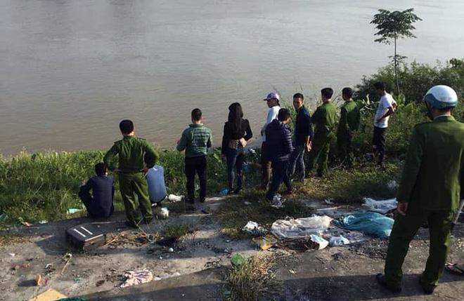 Người bới rác phát hiện thi thể bé trai sơ sinh nghi bị mẹ vứt bỏ dưới bờ sông 3
