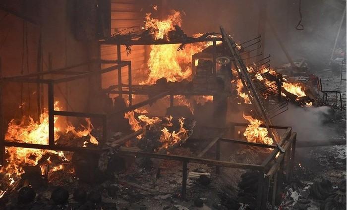 Cháy nhà nửa đêm 4 mẹ con gào hét kêu cứu, bé 7 tuổi tử vong thương tâm 1