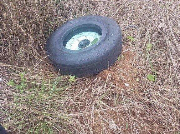 Vẫn còn một chiếc lốp vụ máy bay Vietjet gặp sự cố ở Buôn Ma Thuột chưa tìm thấy 2