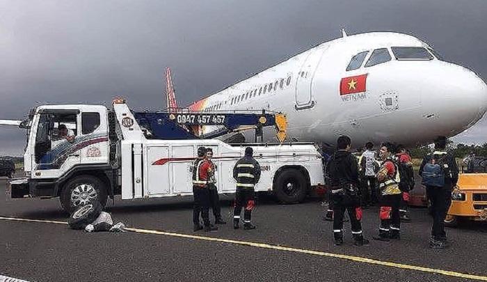 Vietjet xin lỗi hành khách sau sự cố máy bay bị rơi bánh khi hạ cánh tại Buôn Ma Thuột 1