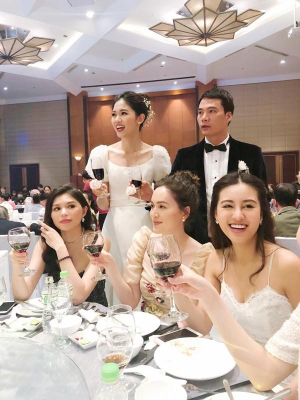 Á hậu Thanh Tú và chồng đại gia bất ngờ xuất hiện tại địa điểm này sau đám cưới hoành tráng 2
