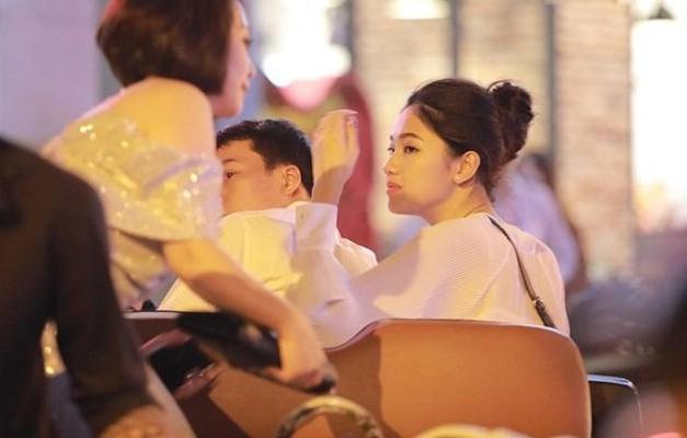 Á hậu Thanh Tú và chồng đại gia bất ngờ xuất hiện tại địa điểm này sau đám cưới hoành tráng 4