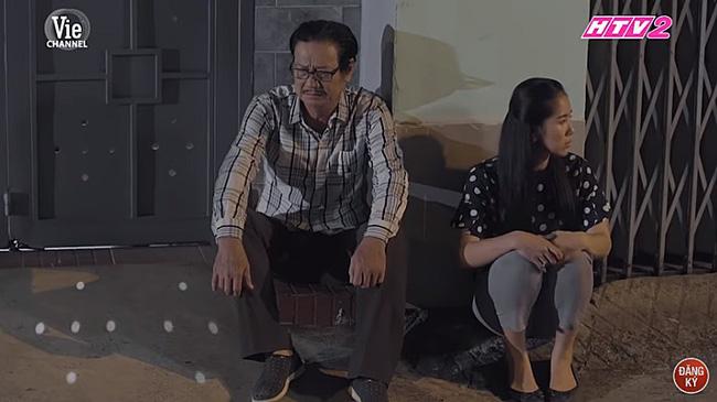'Gạo nếp gạo tẻ': Hân vẫn chưa thoát khỏi vòng lao lý, xem cảnh ông Vương làm điều này cho con mà thấy xót xa! 3