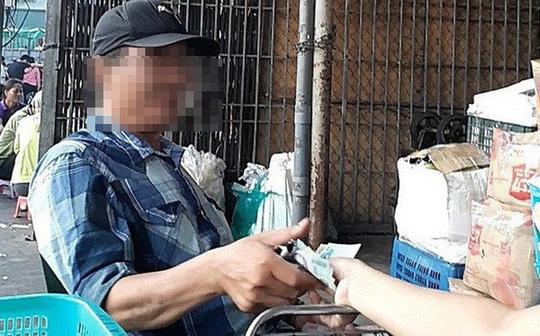 Hình ảnh Vụ bảo kê chợ Long Biên: Bắt tạm giam 3 nhân viên tổ bốc xếp số 1