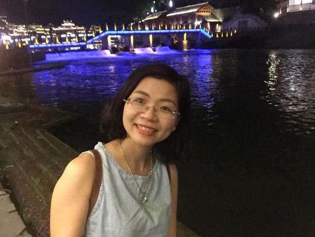 Hình ảnh Cả thai kỳ mẹ Việt đi siêu âm thai đôi, đến khi mổ lấy ra 2 bé, bác sĩ phát hiện:
