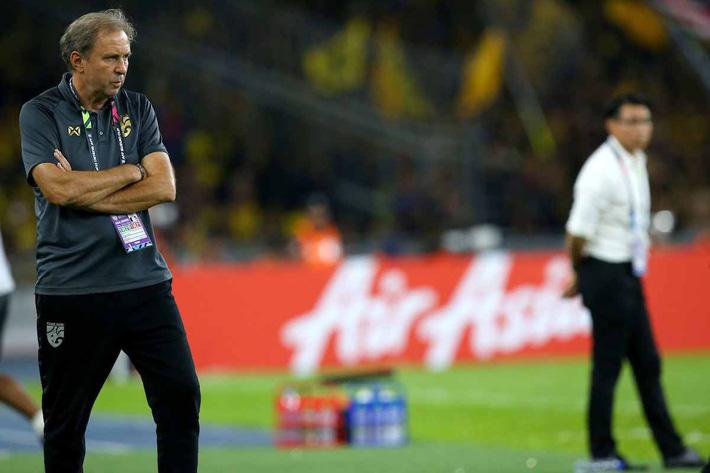 Hình ảnh Sút hỏng penalty ở phút bù giờ, Thái Lan bị đá bay khỏi AFF Cup trong tột cùng cay đắng số 2