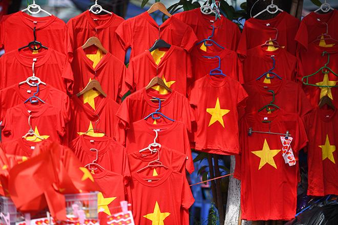 Choáng ngợp với hình ảnh cờ đỏ sao vàng trước trận Việt Nam - Philippines 8