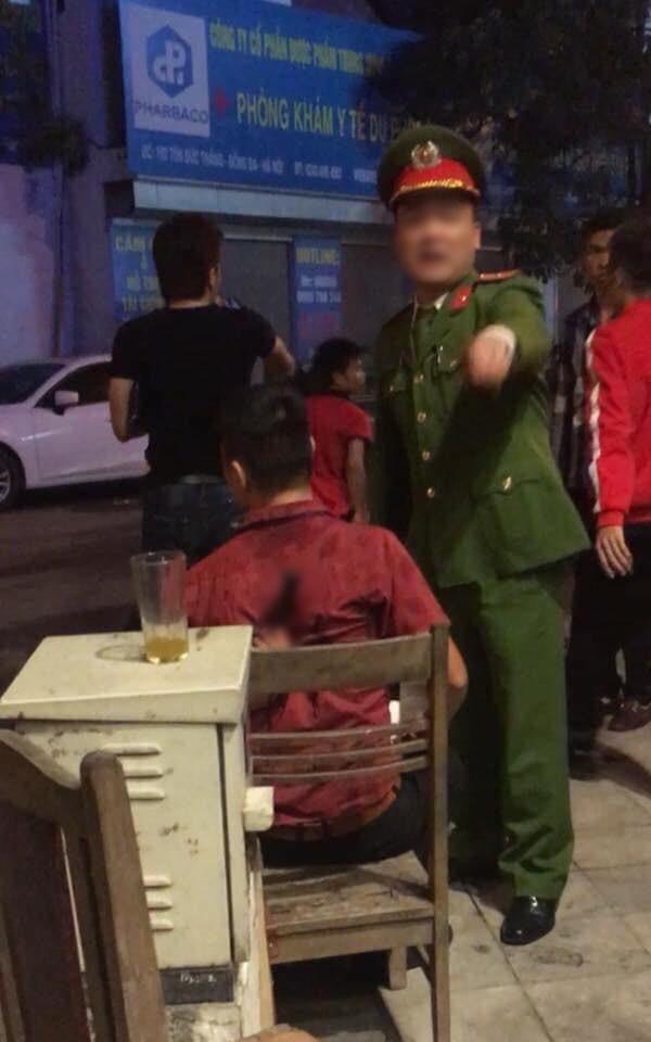 Ẩu đả, tai nạn giao thông liên tiếp trong đêm đi 'bão' mừng chiến tích vào chung kết của đội tuyển Việt Nam 4