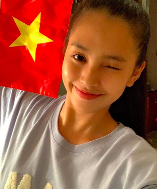 Dàn sao Vbiz đang ăn mừng tuyển Việt Nam vào chung kết: Mỗi người một kiểu, ai cũng vui nổ trời! 4