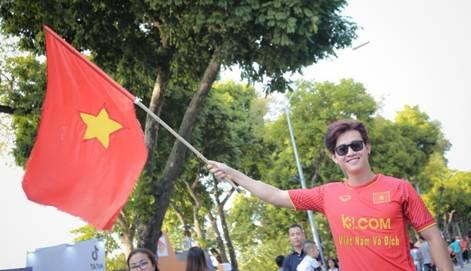 Hình ảnh Bán kết AFF CUP 2018: Màn trình diễn xuất sắc của tuyển Việt Nam trên sân nhà số 2