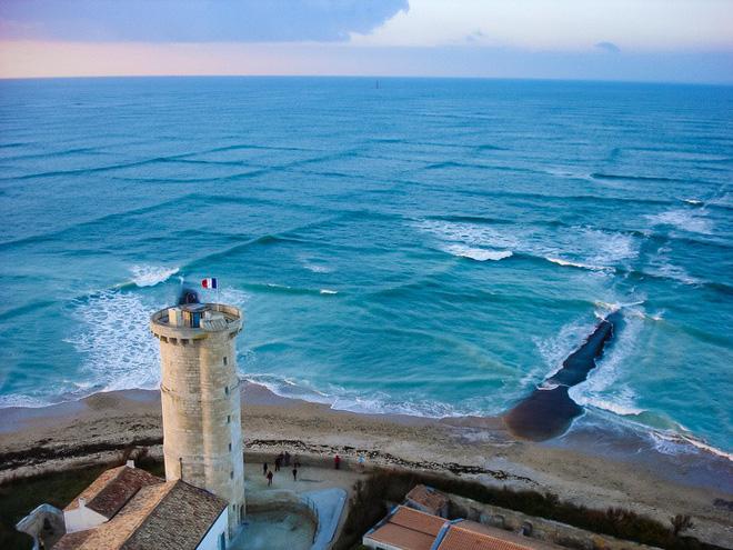 Hình ảnh Giải mã hiện tượng ô bàn cờ trên mặt biển: Bẫy chết của các tàu thuyền số 3