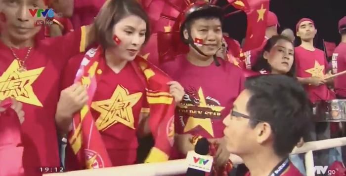 'Thánh tiên tri' xinh đẹp dự đoán trúng phóc tỉ số trận đấu Việt Nam - Philippines cùng tên cầu thủ ghi bàn 1