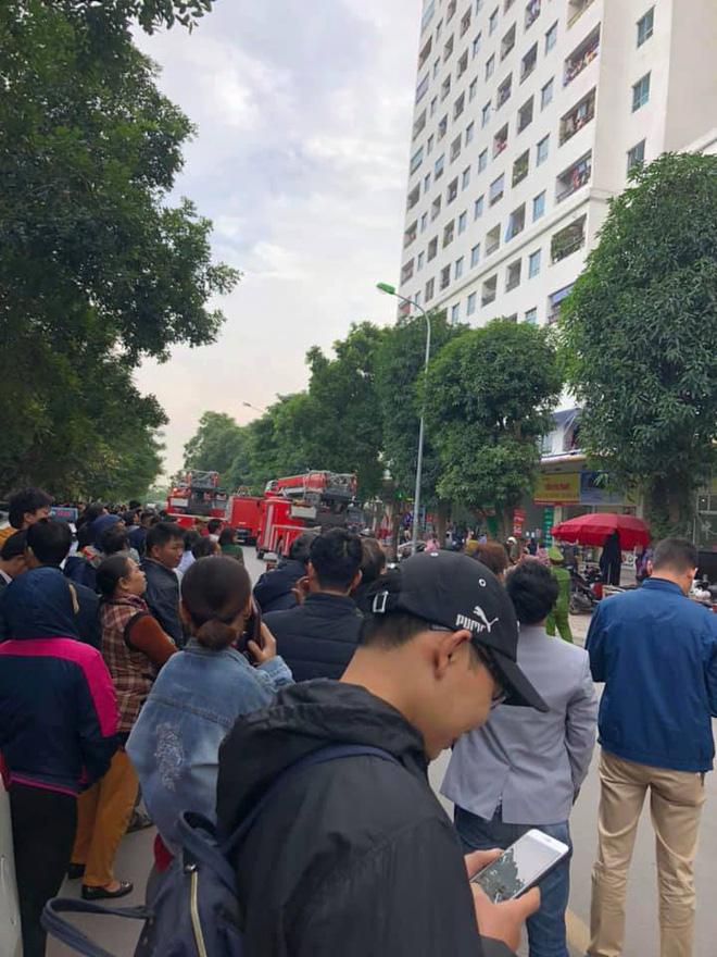Cháy tại tầng 31 ở chung cư HH Linh Đàm, cư dân hoảng loạn 4