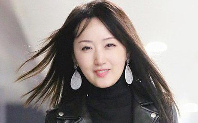 Choáng với hình ảnh 'Bản sao Châu Tấn' trẻ măng như gái đôi mươi dù đã U50 1