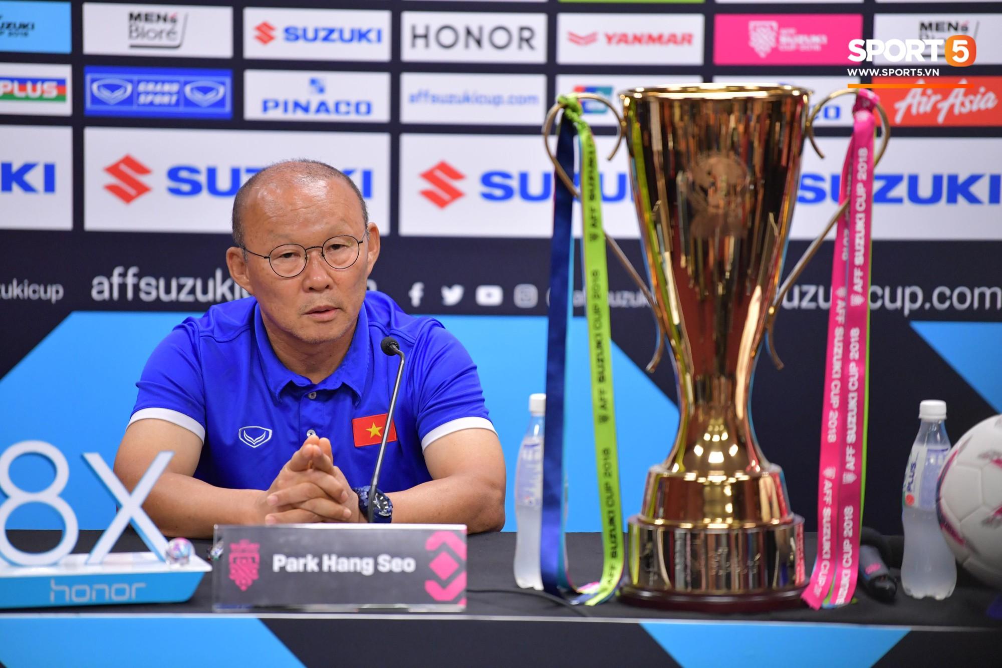 HLV Park Hang-seo: '80.000 fan Malaysia không phải vấn đề với tuyển Việt Nam' 1
