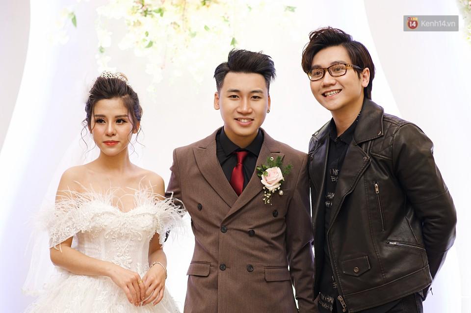 """Vợ Huy Cung mặc áo cưới 200 triệu, bật khóc vì bị chồng tung clip """"nói xấu"""" trước quan viên hai họ 13"""