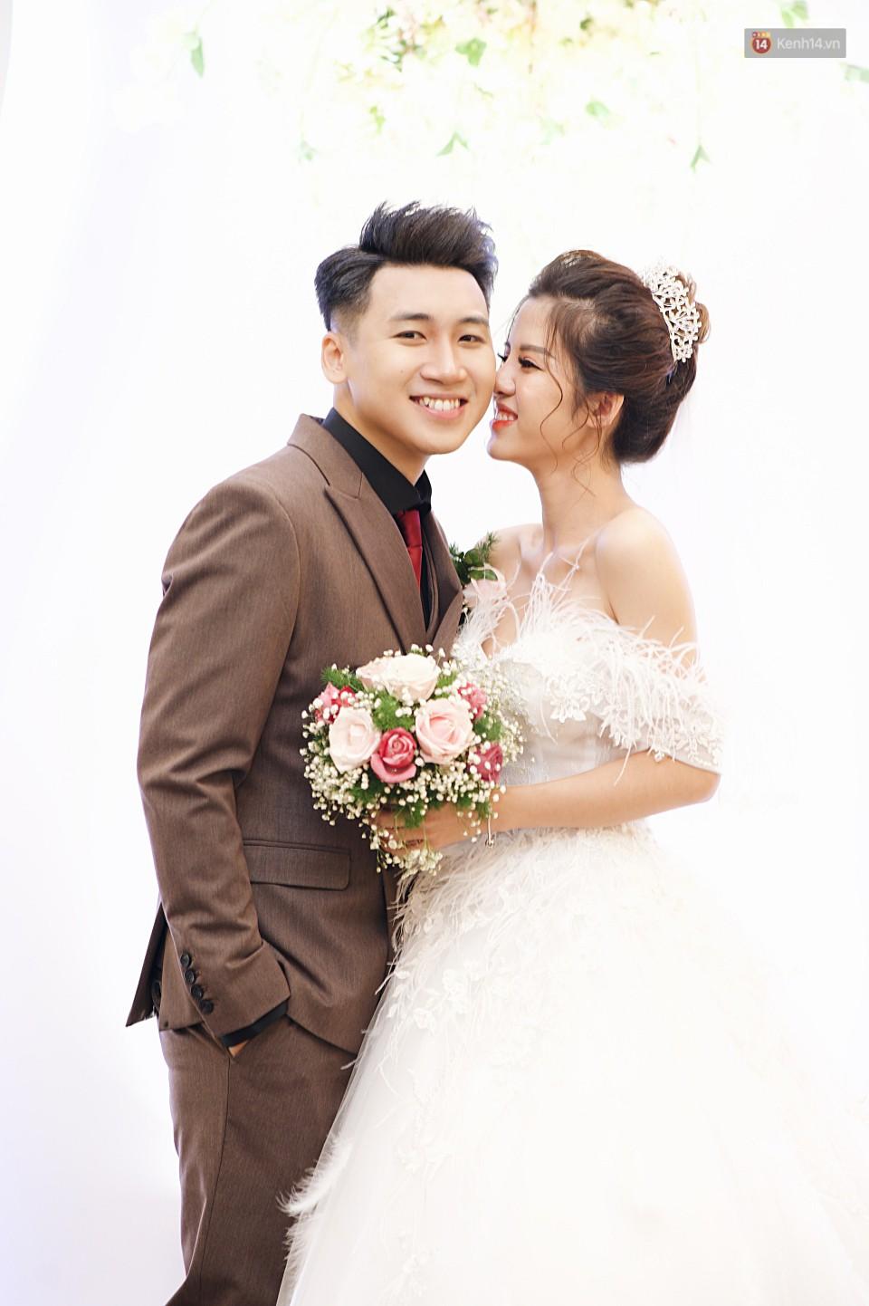 """Vợ Huy Cung mặc áo cưới 200 triệu, bật khóc vì bị chồng tung clip """"nói xấu"""" trước quan viên hai họ 6"""