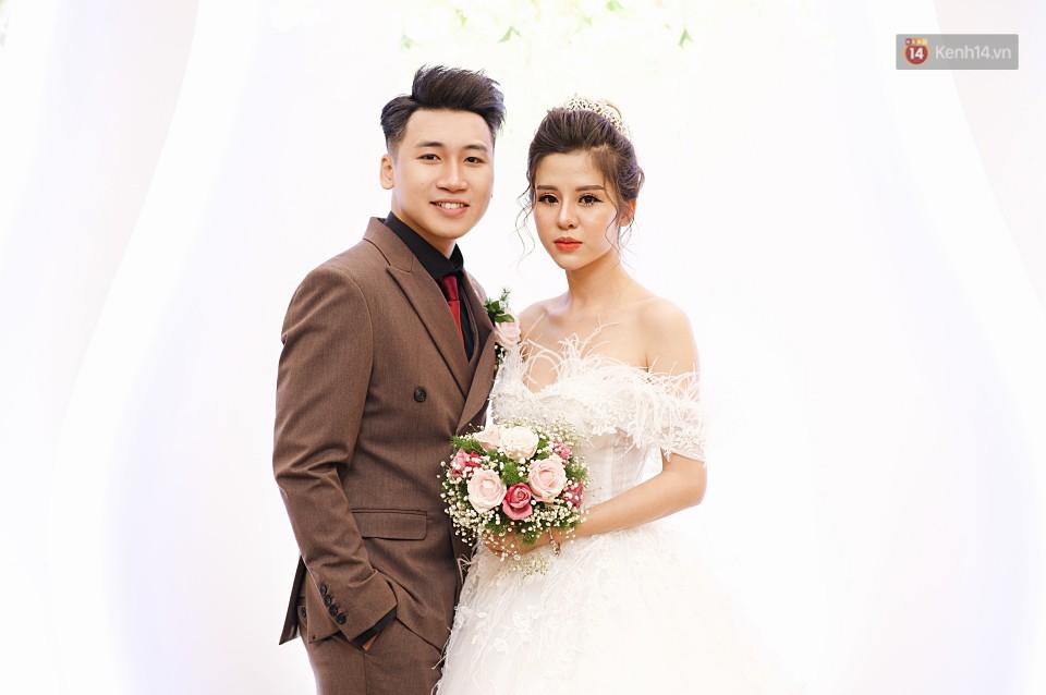 """Vợ Huy Cung mặc áo cưới 200 triệu, bật khóc vì bị chồng tung clip """"nói xấu"""" trước quan viên hai họ 9"""
