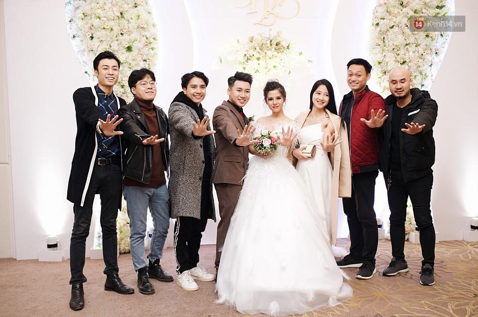 """Vợ Huy Cung mặc áo cưới 200 triệu, bật khóc vì bị chồng tung clip """"nói xấu"""" trước quan viên hai họ 10"""