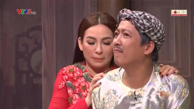 Phi Nhung: 'Hoài Linh rất thích tôi, nên tôi chẳng sợ gì' 1