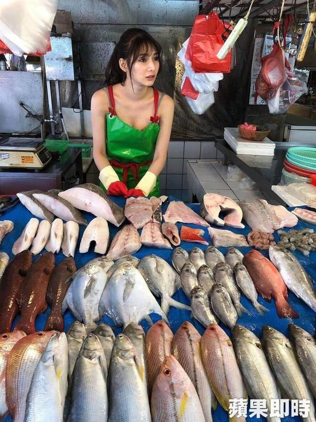 Bí mật về cô gái được gọi là 'nữ thần bán cá' xinh như mộng đang gây sốt MXH Đài Loan 1