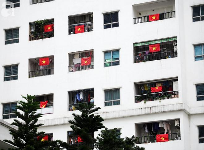 Trước thềm chung kết AFF, cờ đỏ sao vàng