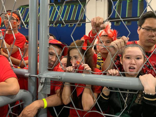 Lý giải việc cổ động viên Việt Nam không được vào sân Bukit Jalil 1