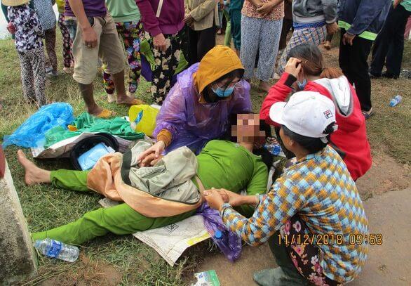 Nhói lòng chồng chở vợ mang thai cả hai bị lũ cuốn tử vong 1