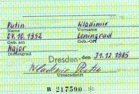 Tìm thấy thẻ điệp viên Stasi của Tổng thống Putin tại Đức 2