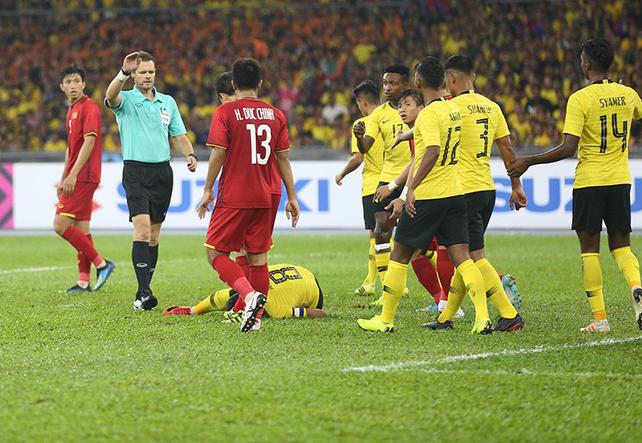 Văn Hậu bị chấm điểm thấp nhất từ báo châu Á do mắc lỗi ở cả 2 bàn thua của Việt Nam 2
