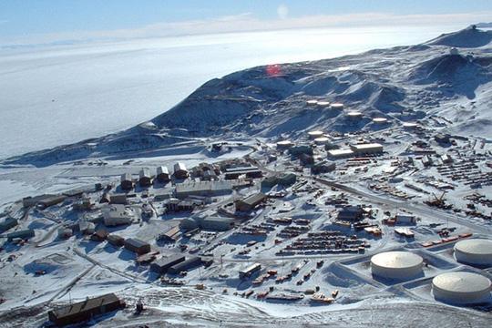 Hai kỹ thuật viên Mỹ chết bí ẩn tại Nam Cực 1