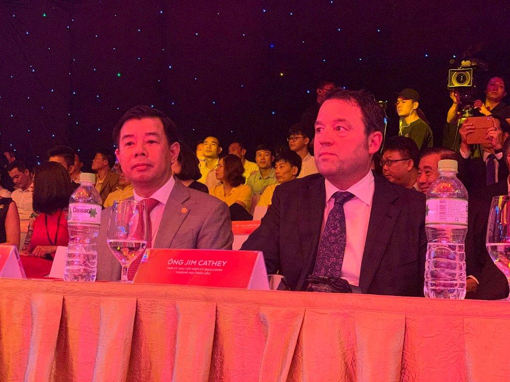 Trực tiếp lễ ra mắt loạt smartphone Vsmart tại Việt Nam 1