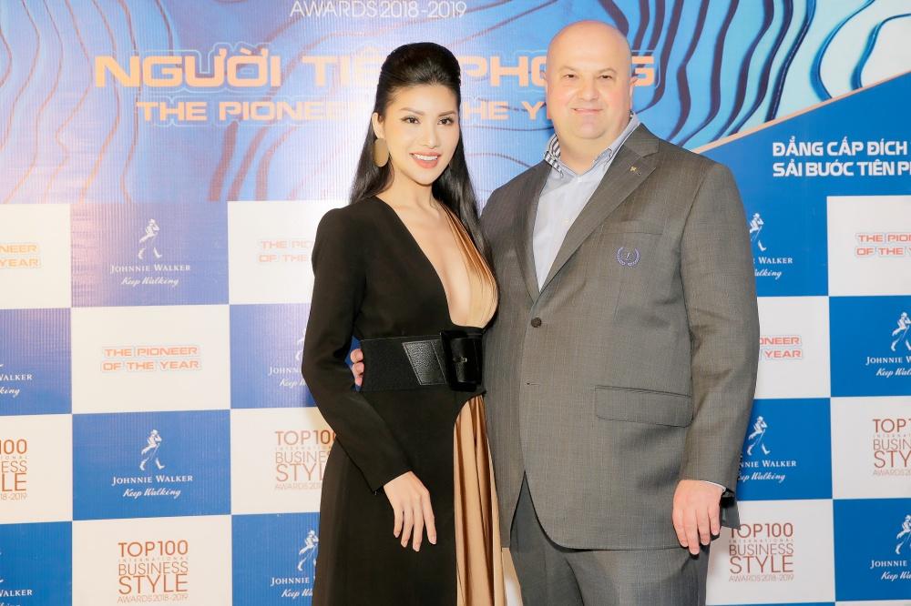 Mê mẩn trước vẻ đẹp không góc chết của Hoa hậu hàng không Loan Vương  7