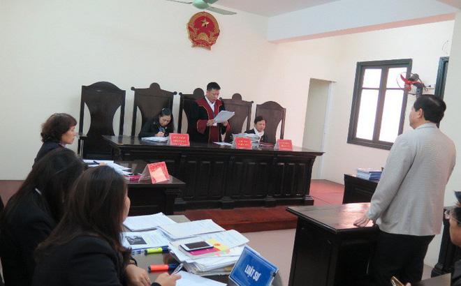 Bộ trưởng Bộ GD&ĐT 'thua kiện' trong vụ thu hồi bằng tiến sĩ của ông Hoàng Xuân Quế 1