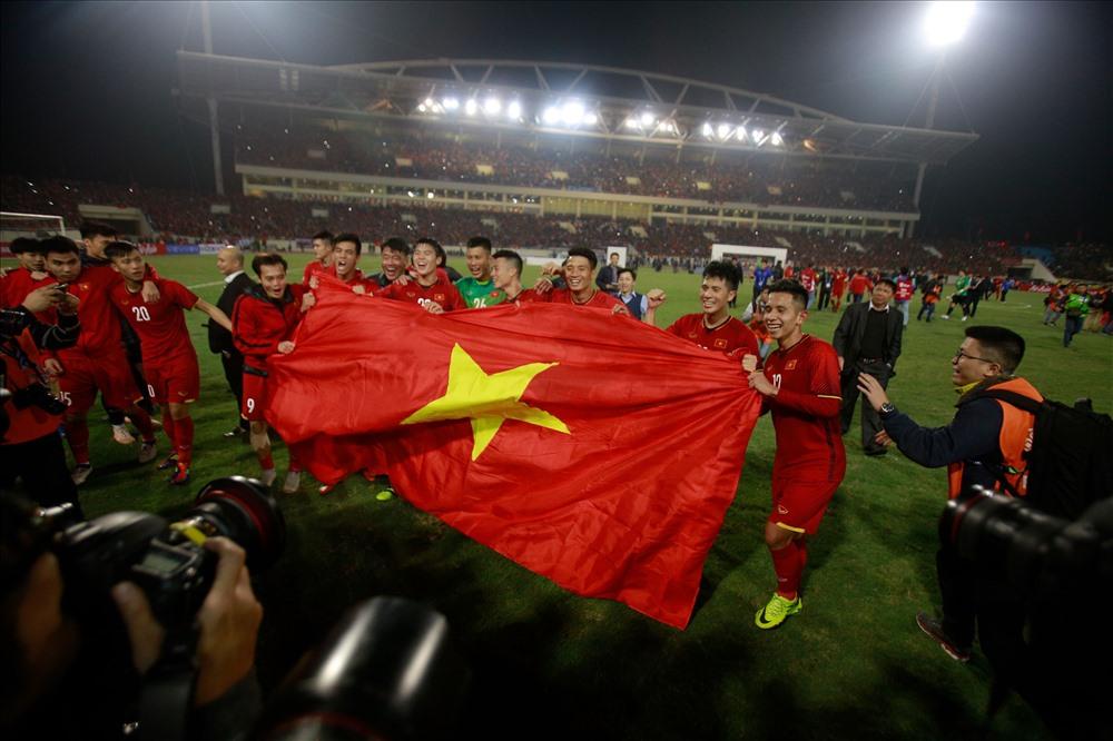 Quang Hải nhận danh hiệu cầu thủ hay nhất AFF Cup 2018, ẵm hơn 200 triệu tiền thưởng 1