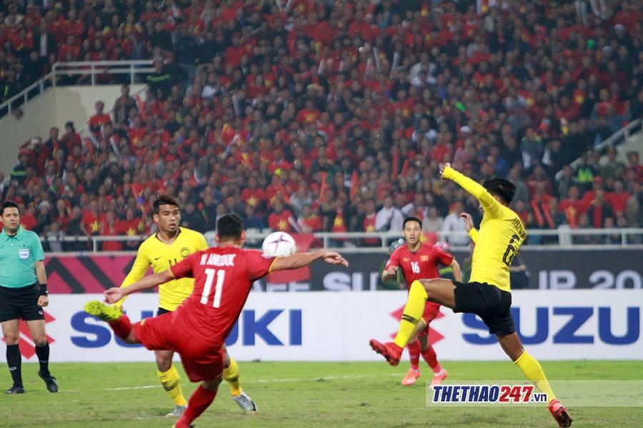Thua cuộc ở AFF Cup, cầu thủ Malaysia: Thật khó để nuốt trôi thất bại này 1