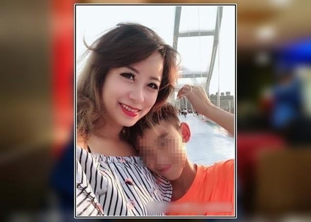 Mẹ đơn thân vô tư thả rông tắm cùng con trai 12 tuổi bị chỉ trích về đạo đức, sự phản bác của cô khiến nhiều người đồng tình 2