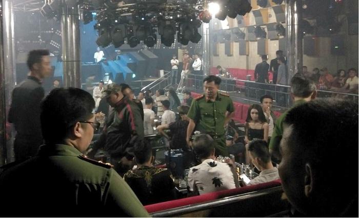 Cảnh sát bất ngờ đột kích quán bar 162, phát hiện 79 dân chơi phê ma túy 1