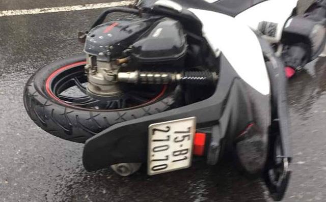 Hình ảnh Tin tức tai nạn giao thông mới nhất ngày 18/12/2018: Thanh niên đi SH gọi bạn mang xăng đến đốt xe nạn nhân sau va chạm số 3
