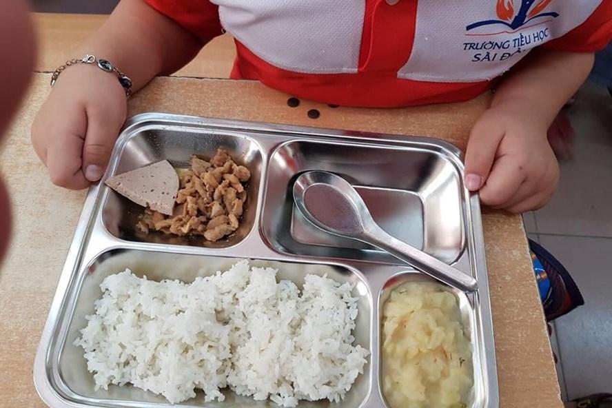 Hình ảnh Phụ huynh tố bữa cơm 22.000 đồng/bữa ở Tiểu học Sài Đồng quá đạm bạc: Hà Nội sẽ kiểm định số 1