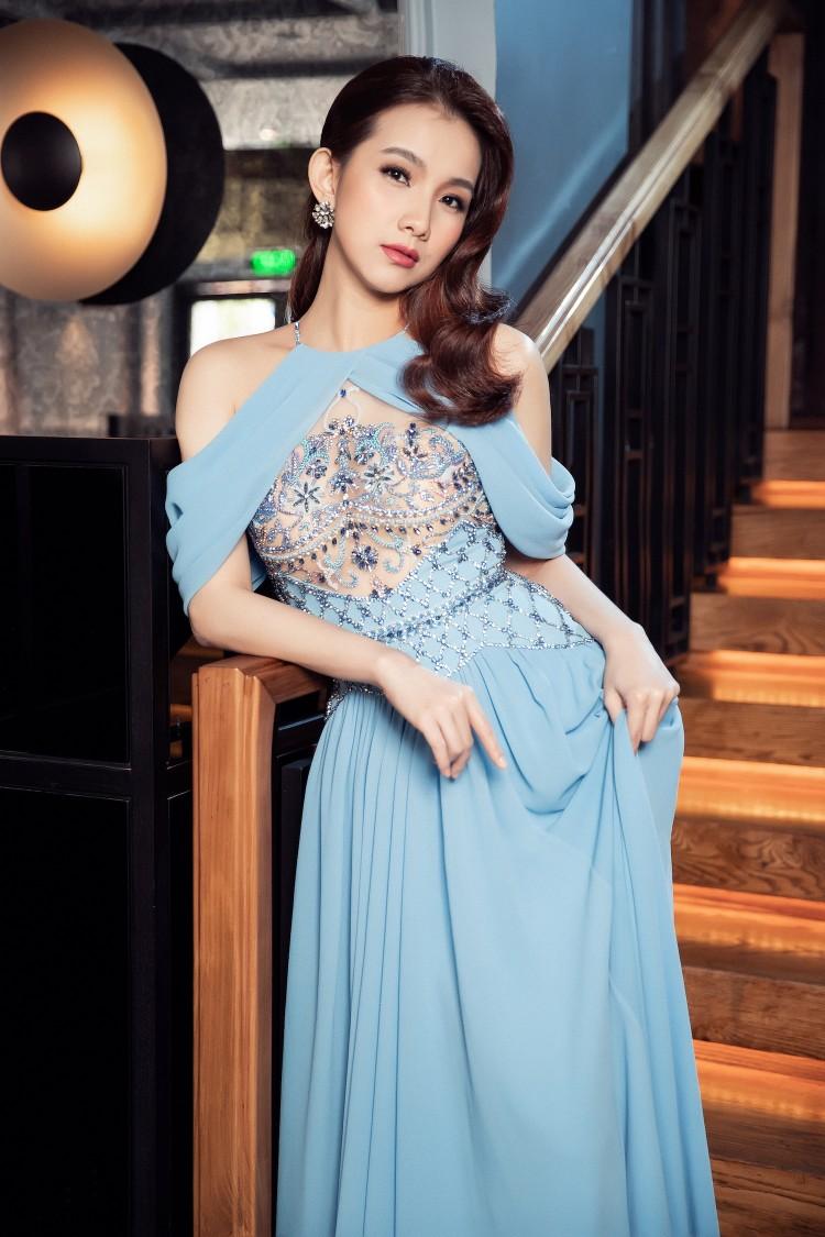 Dân mạng bất ngờ trước nhan sắc của Hoa hậu Thùy Lâm sau 10 năm thi Hoa hậu Hoàn vũ Thế giới 1