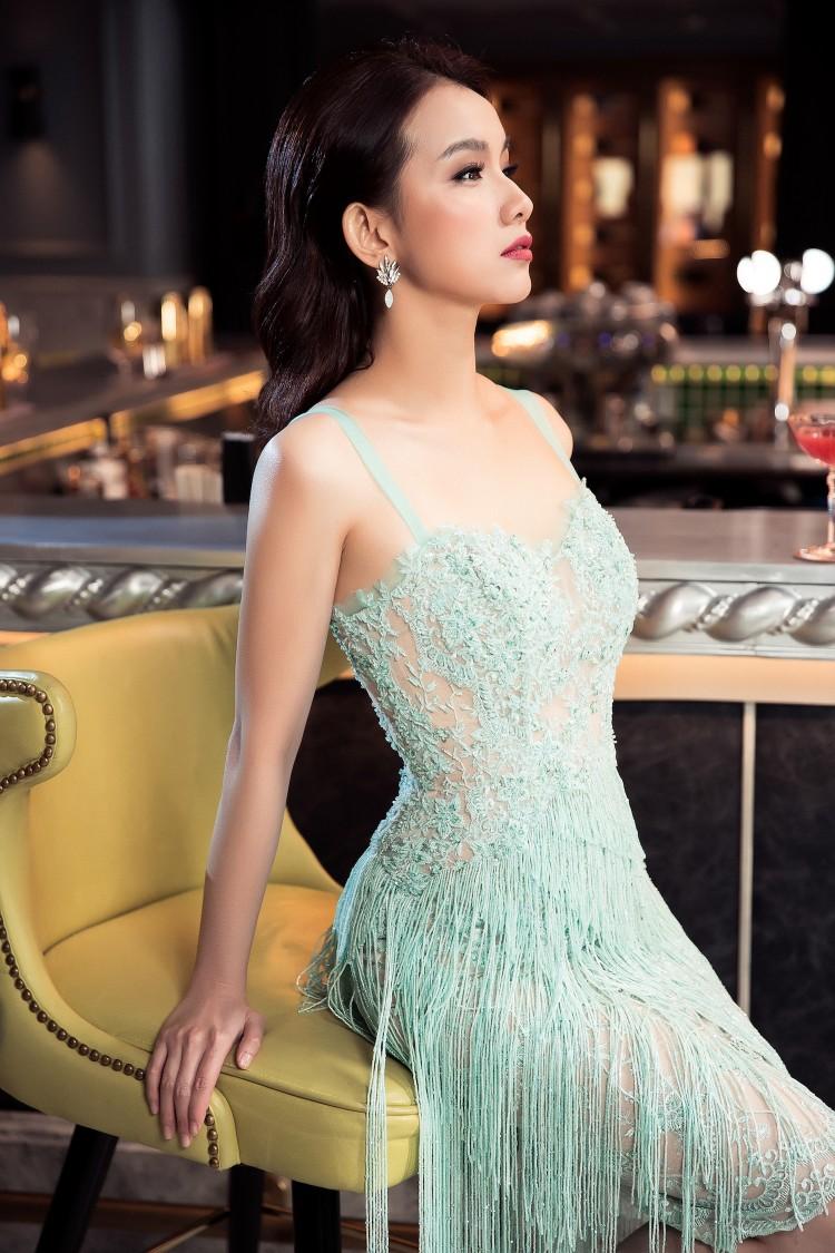 Dân mạng bất ngờ trước nhan sắc của Hoa hậu Thùy Lâm sau 10 năm thi Hoa hậu Hoàn vũ Thế giới 5