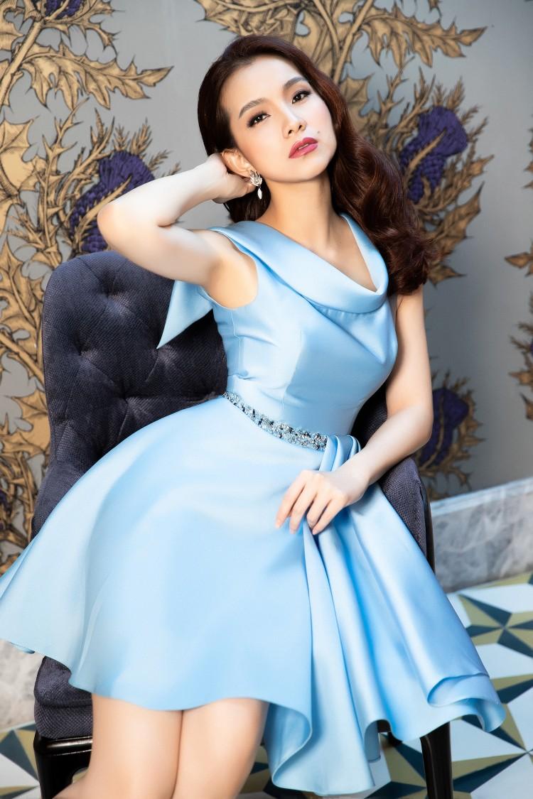 Dân mạng bất ngờ trước nhan sắc của Hoa hậu Thùy Lâm sau 10 năm thi Hoa hậu Hoàn vũ Thế giới 6