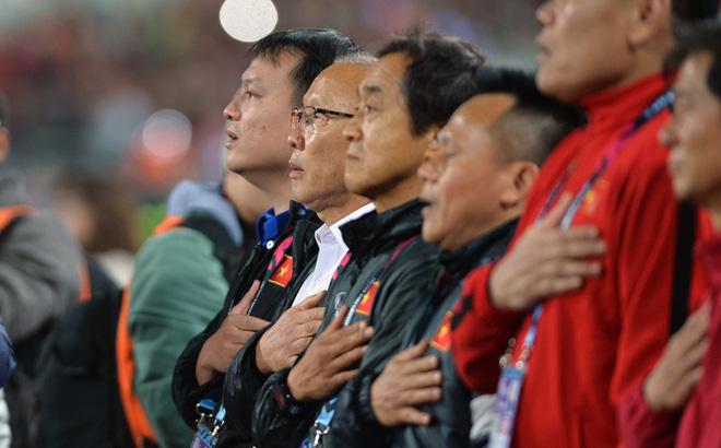 Bầu Đức chỉ ra điều giúp HLV Park Hang-seo không phải chịu tiếng