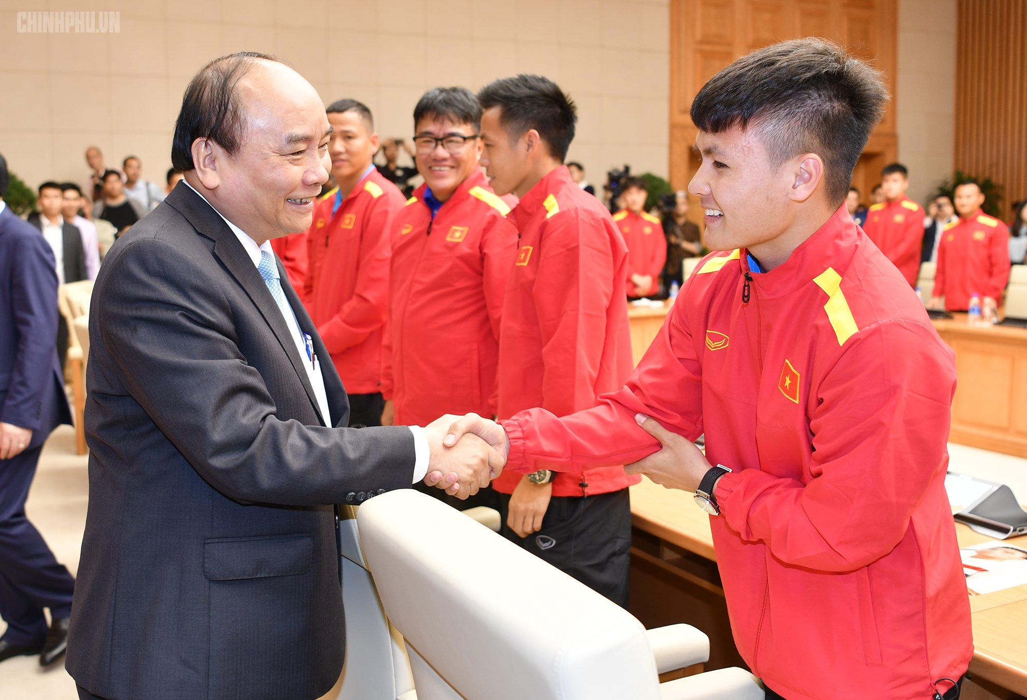 Thủ tướng đề nghị VFF rút kinh nghiệm việc để mất HLV thể lực Bae Ji-won 2