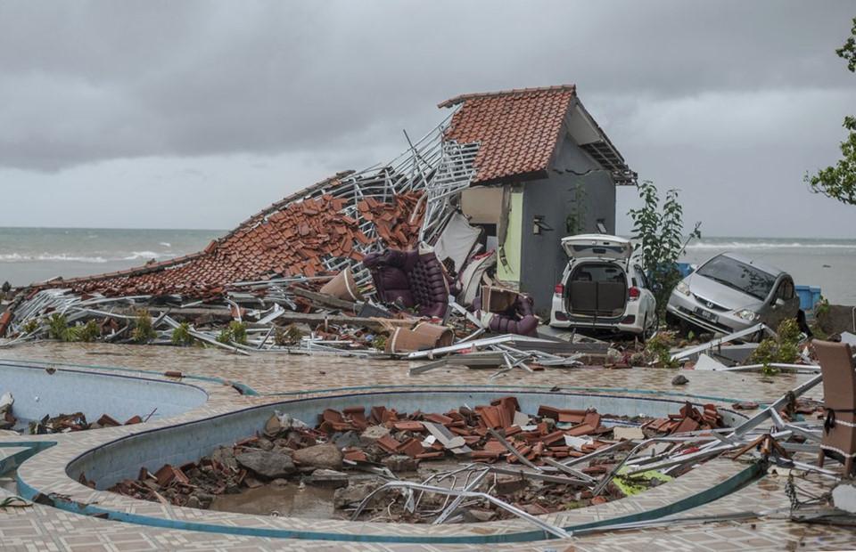 Ám ảnh về cảnh tan hoang đau lòng trong thảm hoạ sóng thần tại Indonesia khiến 1000 người thương vong 5