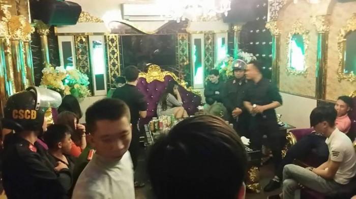 Làm rõ kẻ đã đưa ma túy vào quán Karaoke Dubai ở Hà Tĩnh cho 13 người sử dụng 2