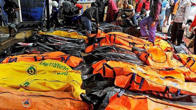 Ám ảnh về cảnh tan hoang đau lòng trong thảm hoạ sóng thần tại Indonesia khiến 1000 người thương vong 2